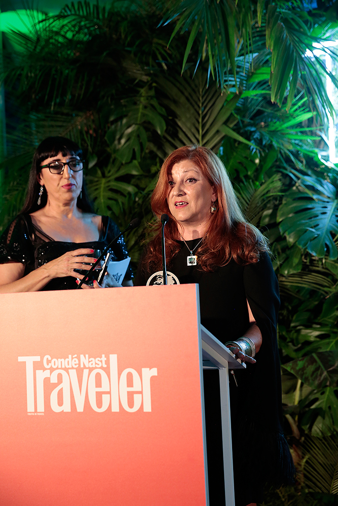 María Redondo receiving the prize Traveler 2017. Copyright CN Traveler España