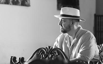 El diseñador de moda Juan Duyos se inspira en Costa Rica para su próxima colección